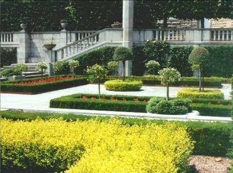 Gardens in Niagara Falls, Ontario, Canada